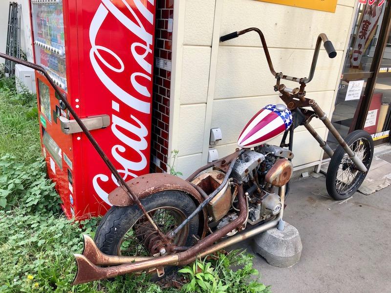 福ちゃん本舗前のバイク