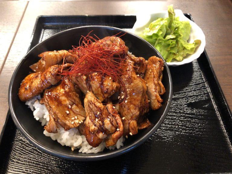 黒ダレ豚丼サラダ付き
