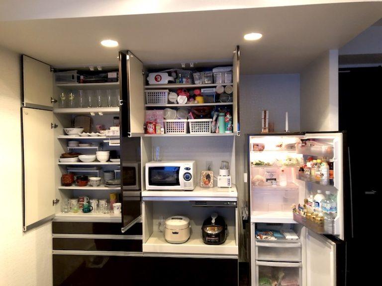 キレイになった食器棚と冷蔵庫