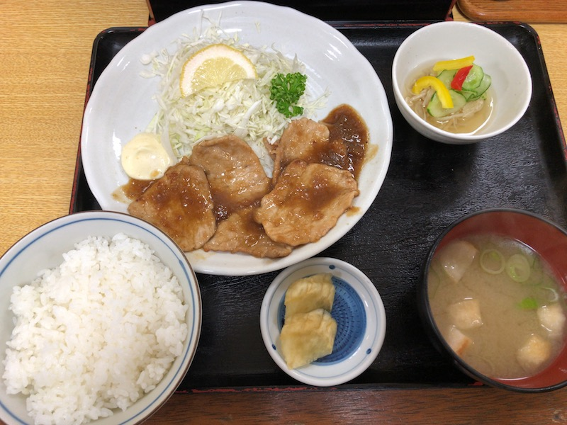 優しい味わいの豚生姜焼き定食