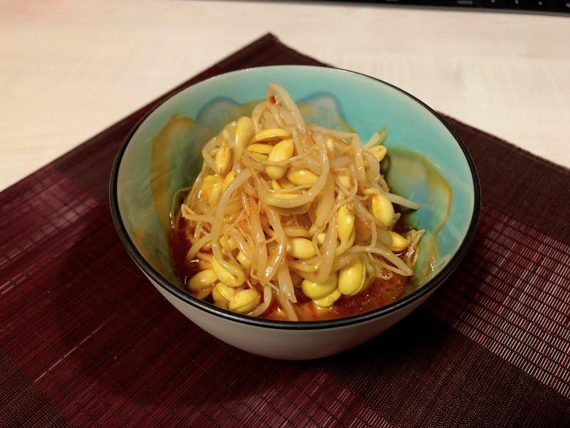 キムチ仕立て大豆もやし 盛り付け