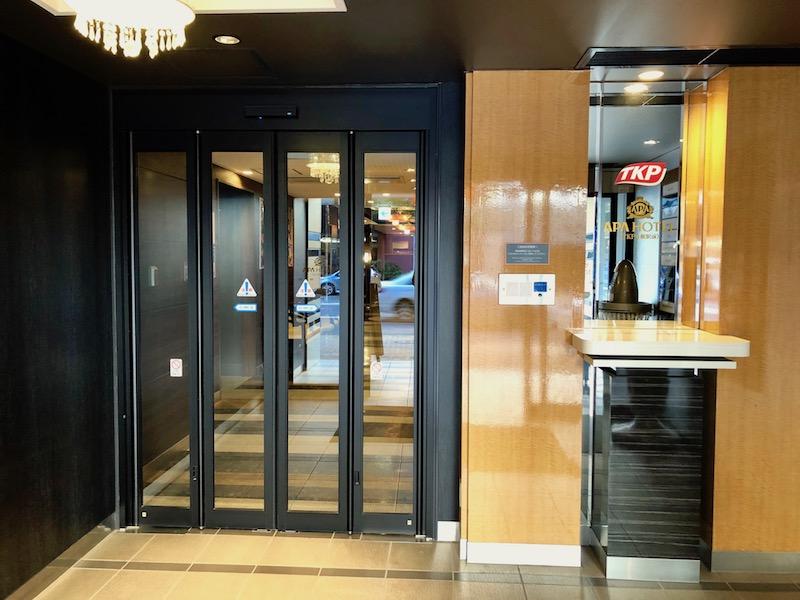 TKPガーデンシティ札幌駅前 入口内側の自動ドア