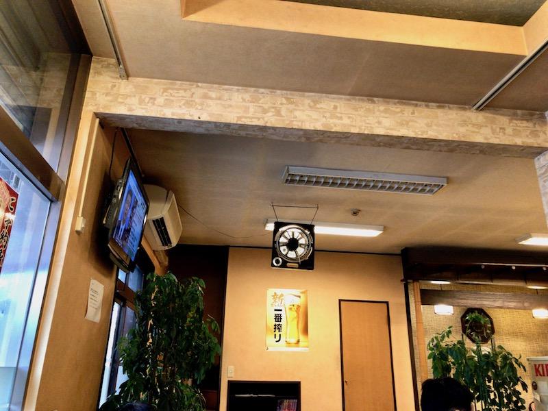 熊猫 入口付近のテレビ