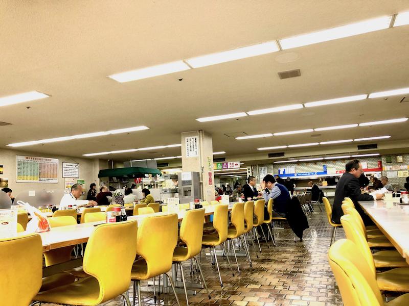 くつろげる食堂内の雰囲気